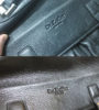 Устранение царапин на портфеле