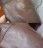 Устранение потертости краски на рукаве куртки